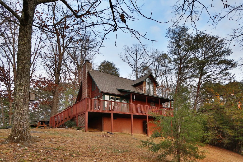 Photo of a Pigeon Forge Cabin named Windsong - This is the first photo in the set.