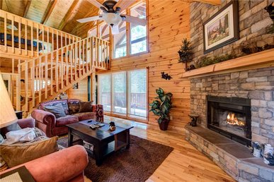 Zen Bear Retreat, 1 Bedroom, Pool Table, Wifi, Hot Tub, Sleeps 6