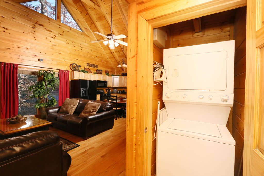 Photo of a Pigeon Forge Cabin named Sweet Surrender - This is the twenty-first photo in the set.