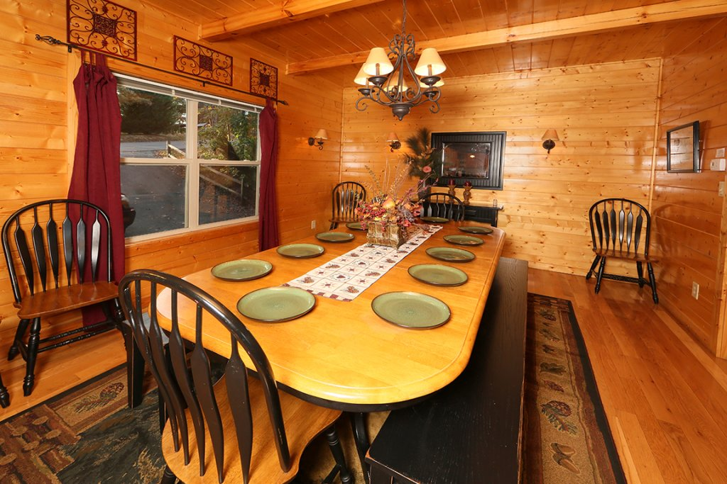 Photo of a Pigeon Forge Cabin named Mountain Shadow Lodge - This is the sixteenth photo in the set.
