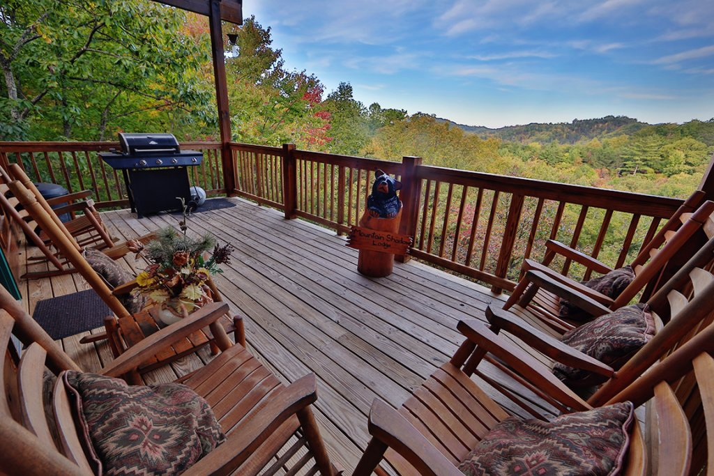 Photo of a Pigeon Forge Cabin named Mountain Shadow Lodge - This is the fifth photo in the set.
