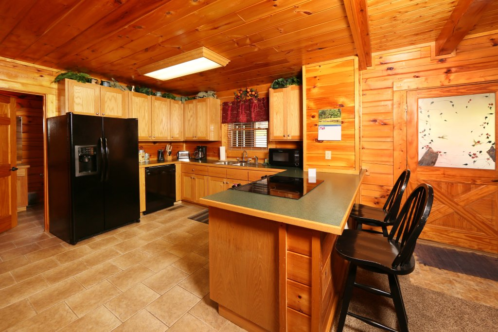 Photo of a Pigeon Forge Cabin named Snow Bear - This is the twentieth photo in the set.