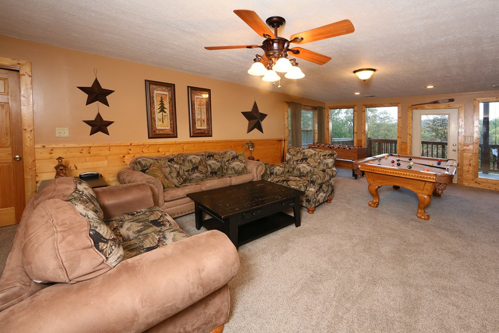 Photo of a Pigeon Forge Cabin named Mountain Shadow Lodge - This is the twenty-first photo in the set.