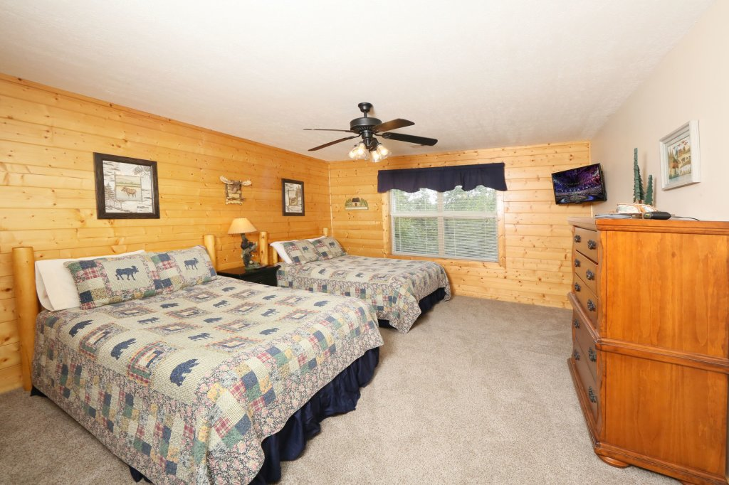 Photo of a Pigeon Forge Cabin named Mountain Shadow Lodge - This is the twenty-seventh photo in the set.