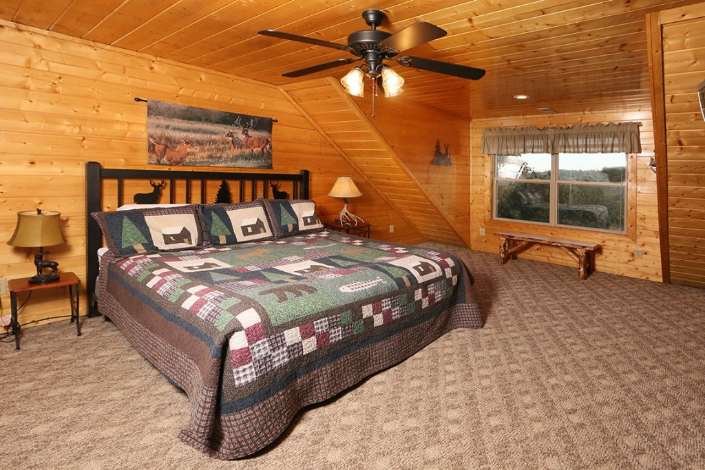 Photo of a Pigeon Forge Cabin named Mountain Shadow Lodge - This is the thirty-second photo in the set.