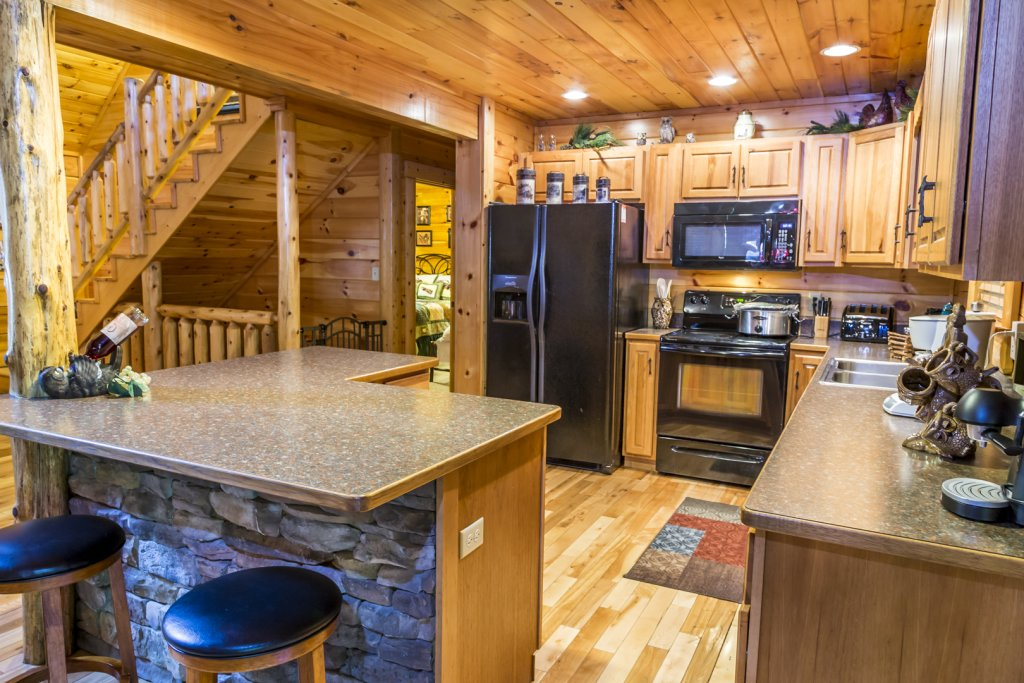 Photo of a Pigeon Forge Cabin named Owlpine Lodge - This is the twentieth photo in the set.