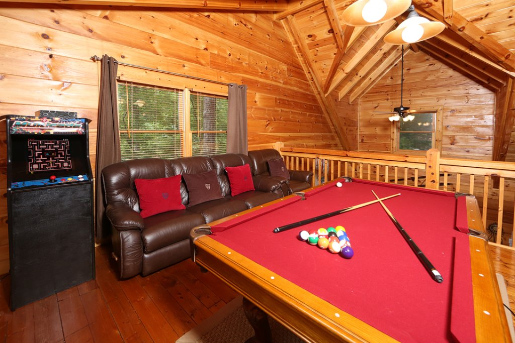 Photo of a Pigeon Forge Cabin named Mountain Majesty - This is the eighth photo in the set.