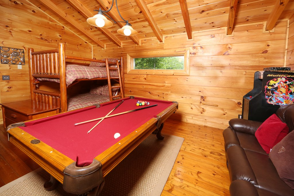 Photo of a Pigeon Forge Cabin named Mountain Majesty - This is the seventh photo in the set.