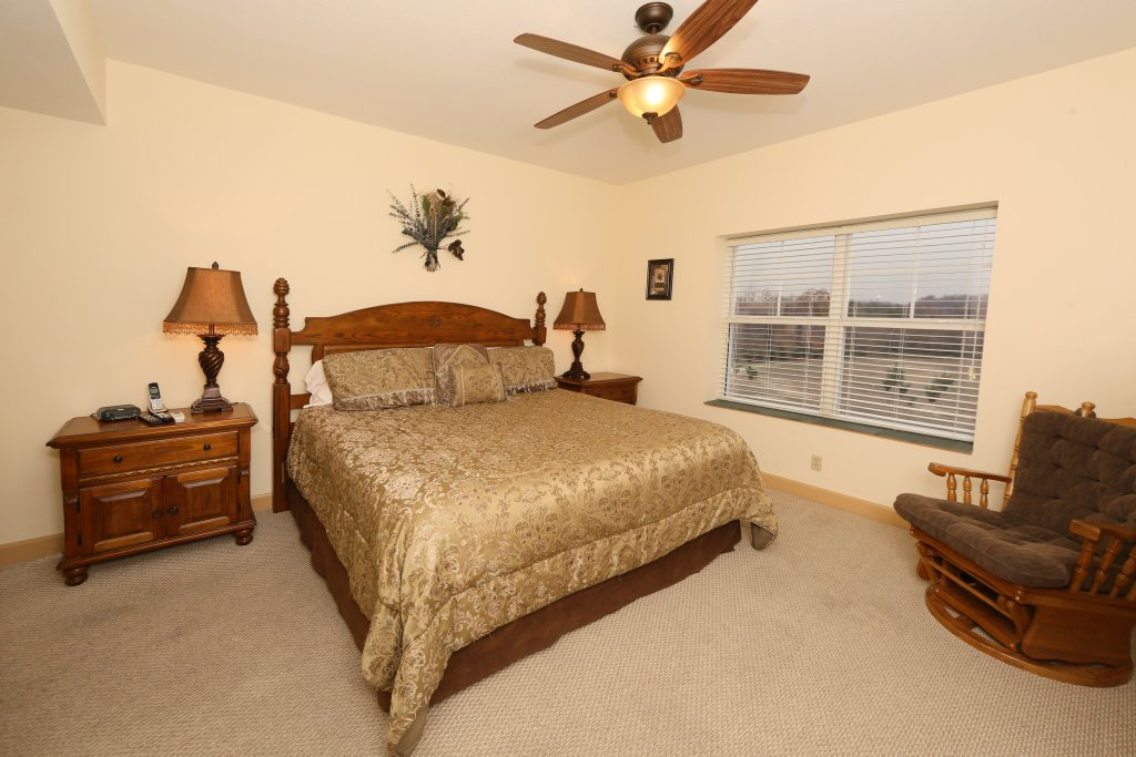 Photo of a Pigeon Forge Condo named Mountain View Condo 3507 - This is the fifteenth photo in the set.