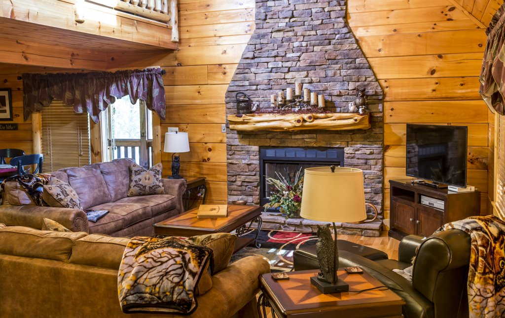 Photo of a Pigeon Forge Cabin named Owlpine Lodge - This is the fourteenth photo in the set.