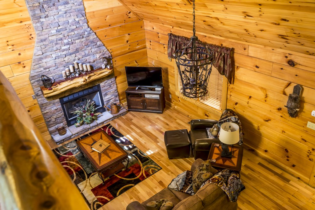 Photo of a Pigeon Forge Cabin named Owlpine Lodge - This is the thirteenth photo in the set.