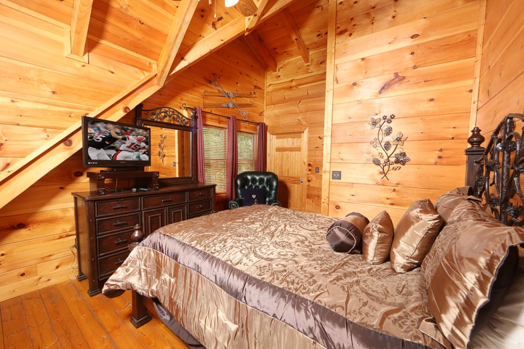 Photo of a Pigeon Forge Cabin named Mountain Majesty - This is the twelfth photo in the set.