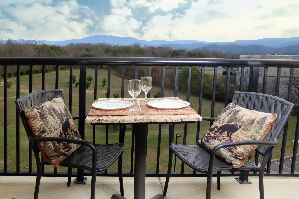 Photo of a Pigeon Forge Condo named Mountain View Condo 3507 - This is the fourth photo in the set.