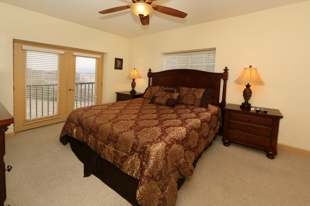 Photo of a Pigeon Forge Condo named Mountain View Condo 3507 - This is the nineteenth photo in the set.