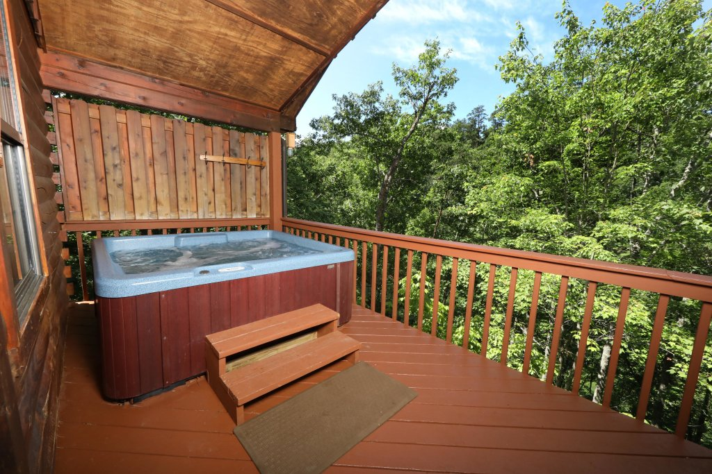 Photo of a Pigeon Forge Cabin named Just Hanging Out - This is the sixth photo in the set.