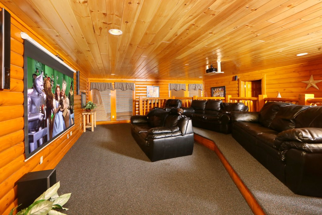 Photo of a Pigeon Forge Cabin named Smoky Mountain Cinema - This is the eighteenth photo in the set.