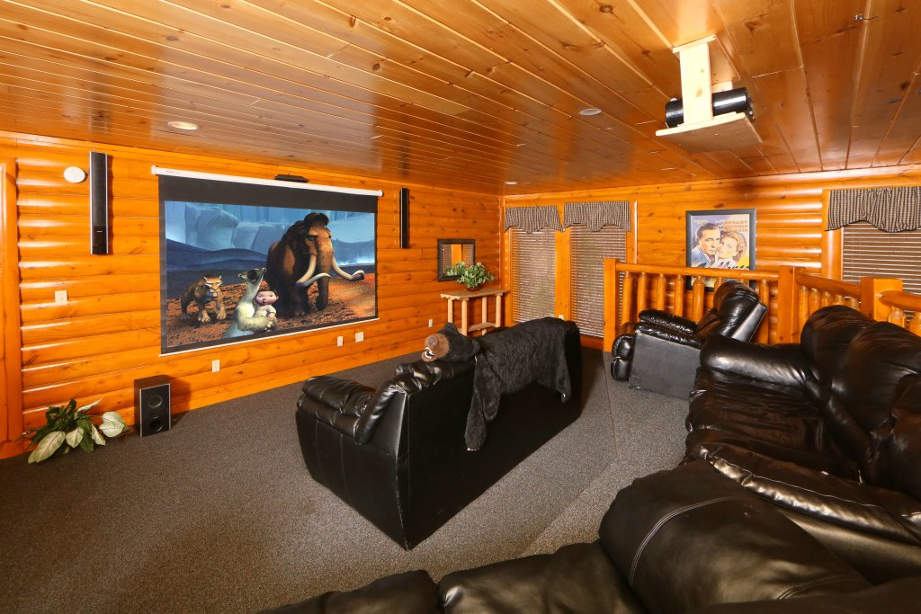 Photo of a Pigeon Forge Cabin named Smoky Mountain Cinema - This is the seventeenth photo in the set.