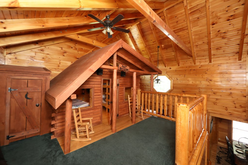 Photo of a Pigeon Forge Cabin named Playhouse Cinema - This is the twenty-eighth photo in the set.