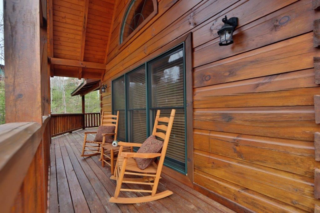 Photo of a Pigeon Forge Cabin named Smoky Mountain Getaway - This is the sixth photo in the set.