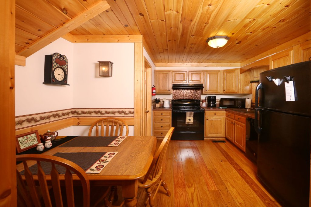 Photo of a Pigeon Forge Cabin named Parkside Haven - This is the thirteenth photo in the set.