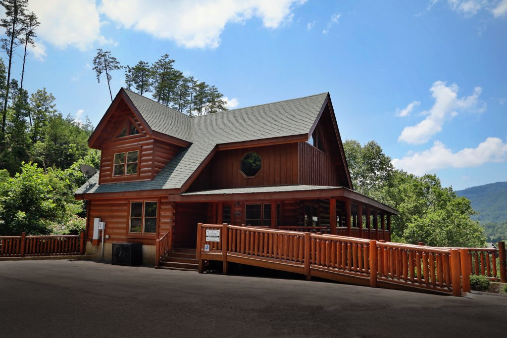 Photo of a Pigeon Forge Cabin named Playhouse Cinema - This is the ninth photo in the set.