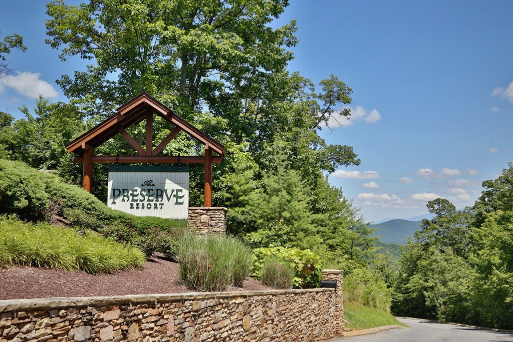 Photo of a Pigeon Forge Cabin named Ridgetop Theatre Lodge - This is the fiftieth photo in the set.