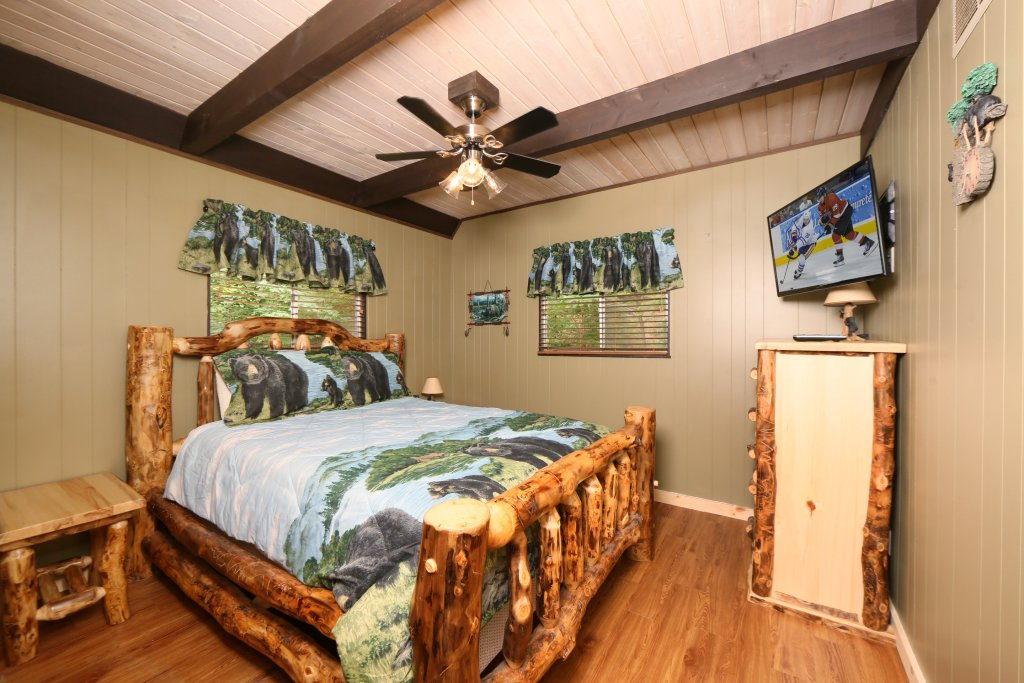 Photo of a Gatlinburg Cabin named Million Dollar View - This is the twenty-first photo in the set.