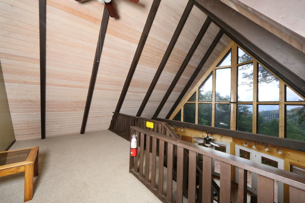 Photo of a Gatlinburg Cabin named Million Dollar View - This is the fifteenth photo in the set.