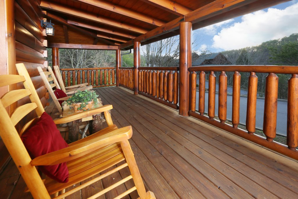 Photo of a Pigeon Forge Cabin named Mountain Fun - This is the third photo in the set.
