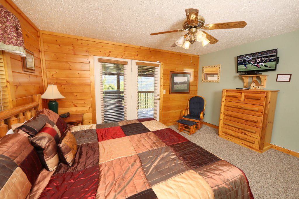 Photo of a Pigeon Forge Cabin named Majestic Views - This is the nineteenth photo in the set.
