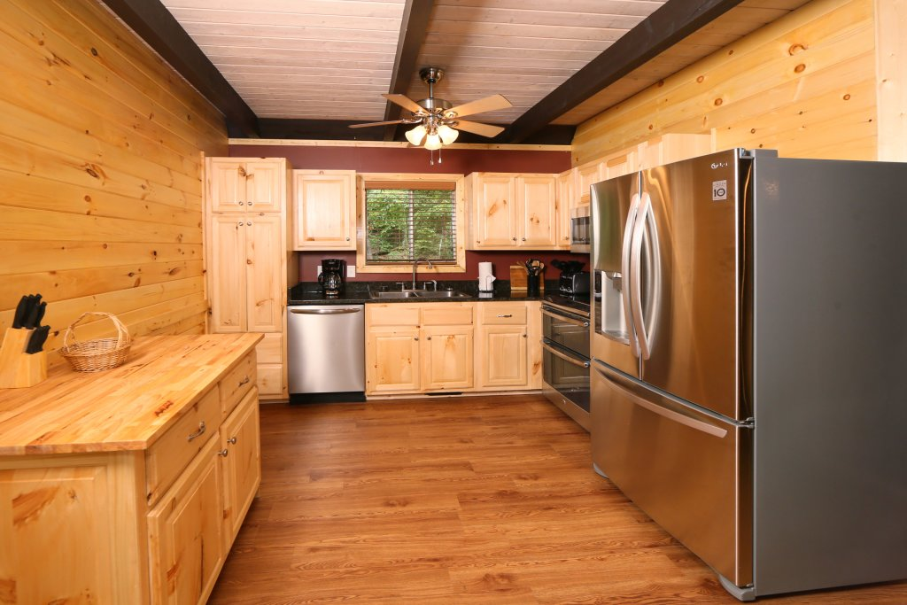 Photo of a Gatlinburg Cabin named Million Dollar View - This is the twenty-sixth photo in the set.