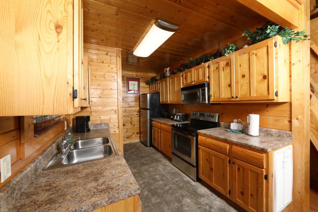 Photo of a Pigeon Forge Cabin named Up, Up & Away - This is the twenty-seventh photo in the set.