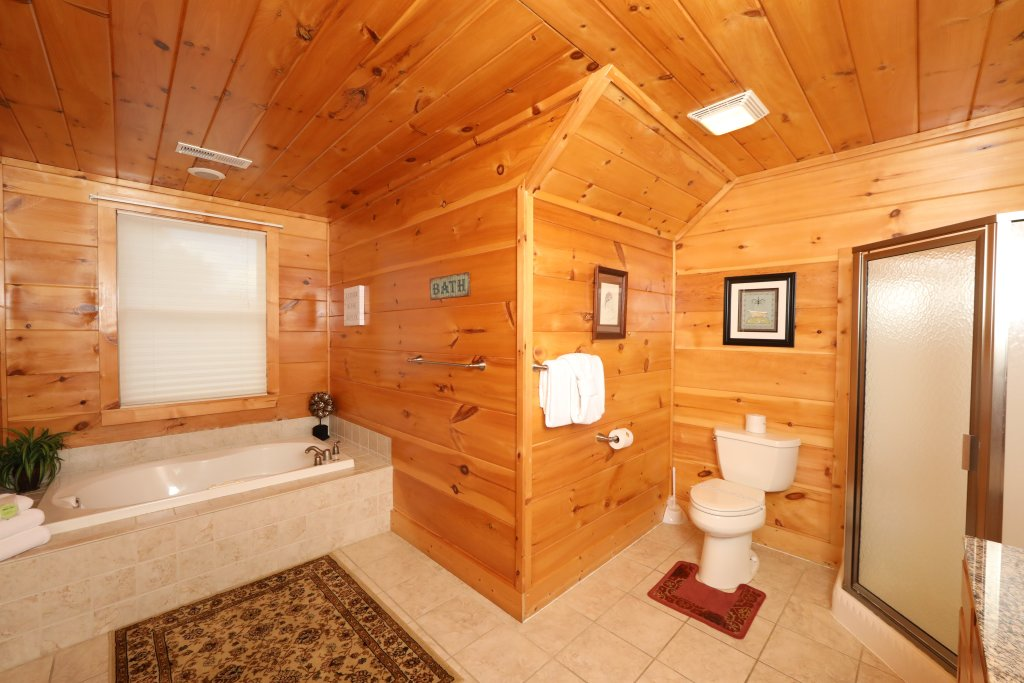Photo of a Pigeon Forge Cabin named Majestic Manor - This is the twenty-second photo in the set.