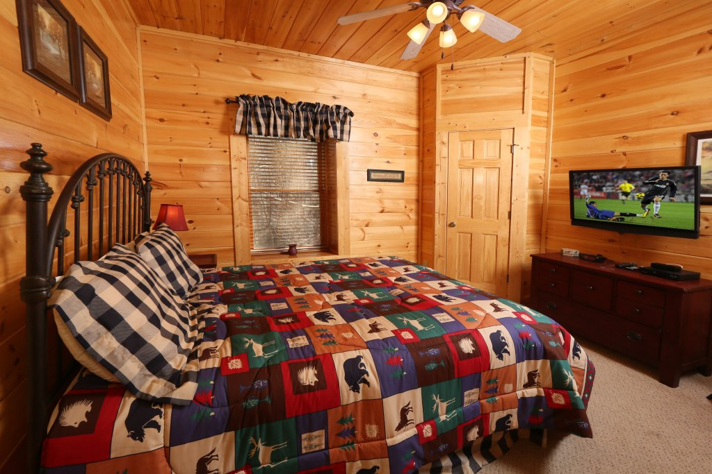Photo of a Pigeon Forge Cabin named Take It Easy - This is the fifteenth photo in the set.