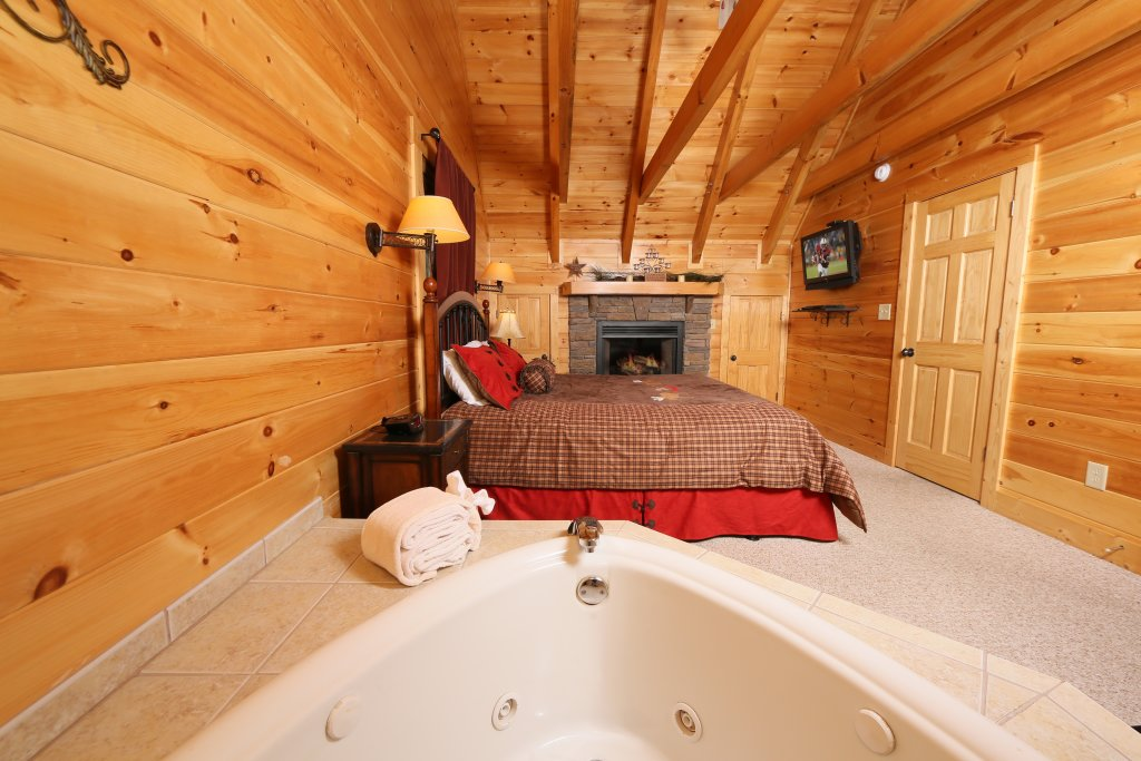 Photo of a Pigeon Forge Cabin named Take It Easy - This is the twelfth photo in the set.