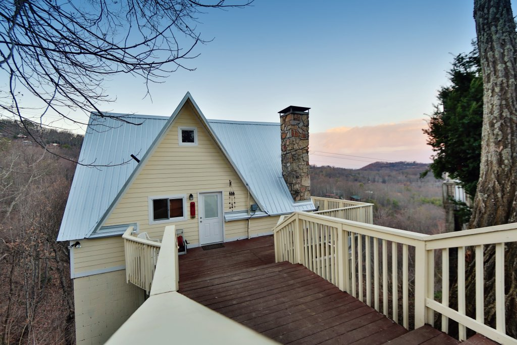 Photo of a Gatlinburg Cabin named Skyline View - This is the eighth photo in the set.