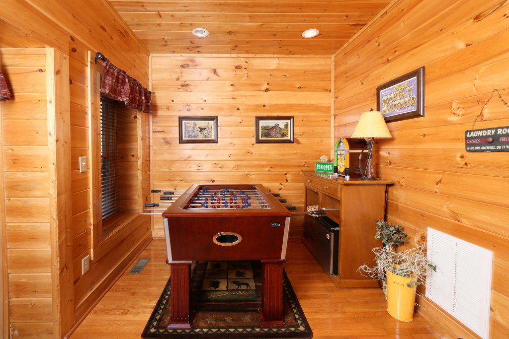 Photo of a Pigeon Forge Cabin named Take It Easy - This is the twenty-seventh photo in the set.