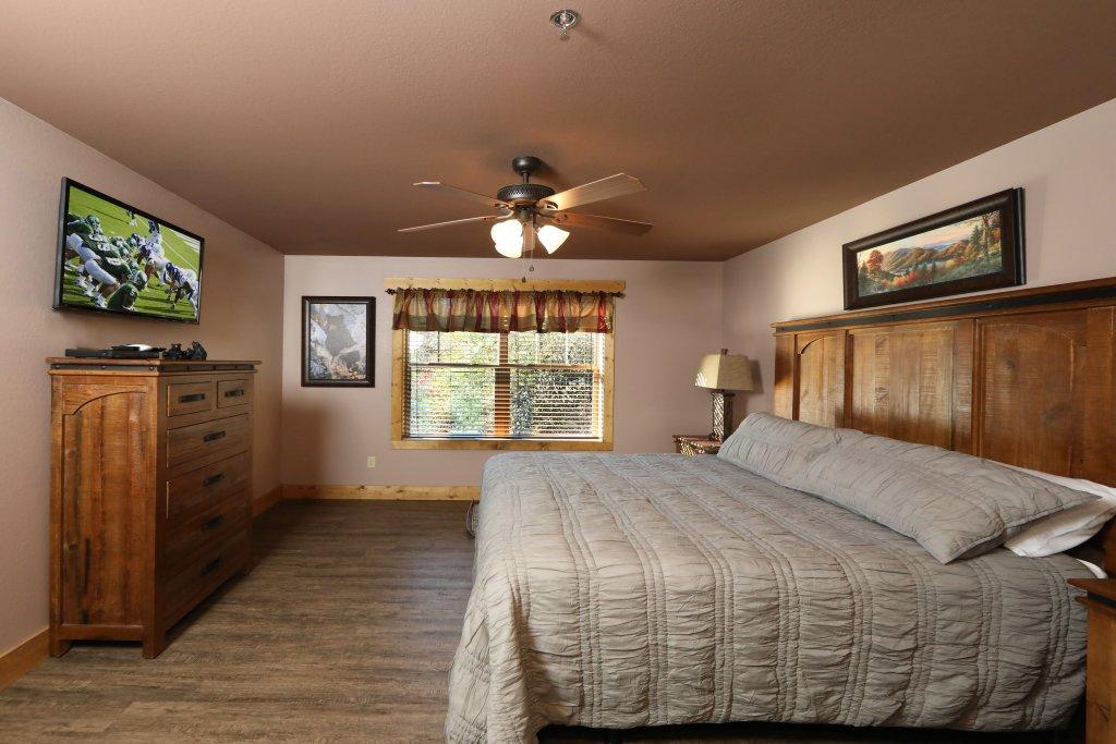 Photo of a Gatlinburg Cabin named Splash Time Cinema - This is the twenty-ninth photo in the set.