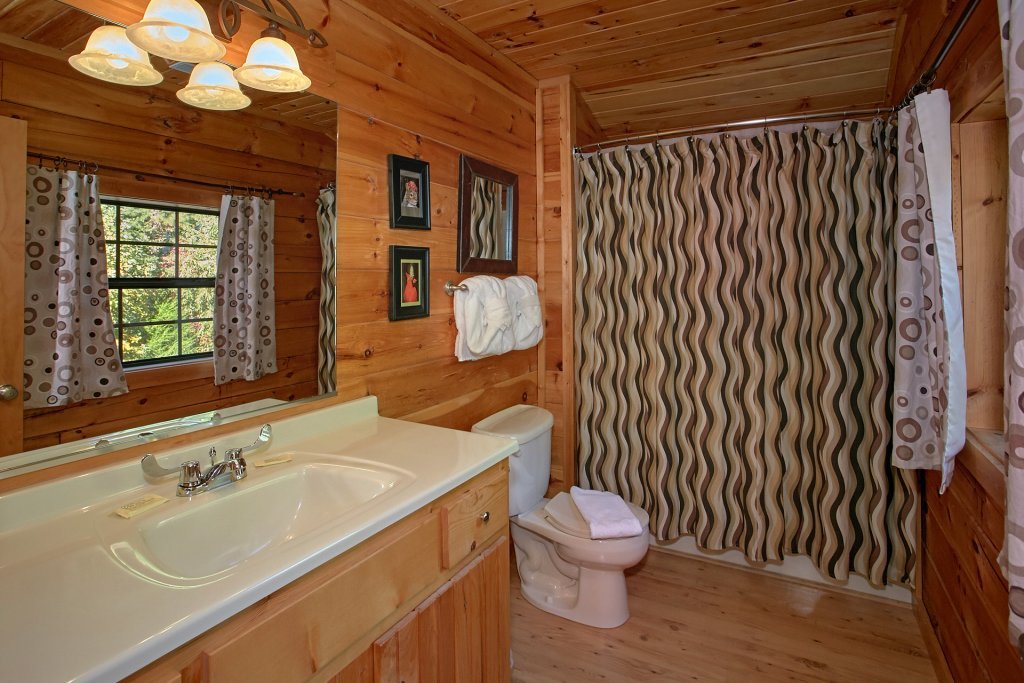 Photo of a Pigeon Forge Cabin named Morning View #131 - This is the twenty-fifth photo in the set.