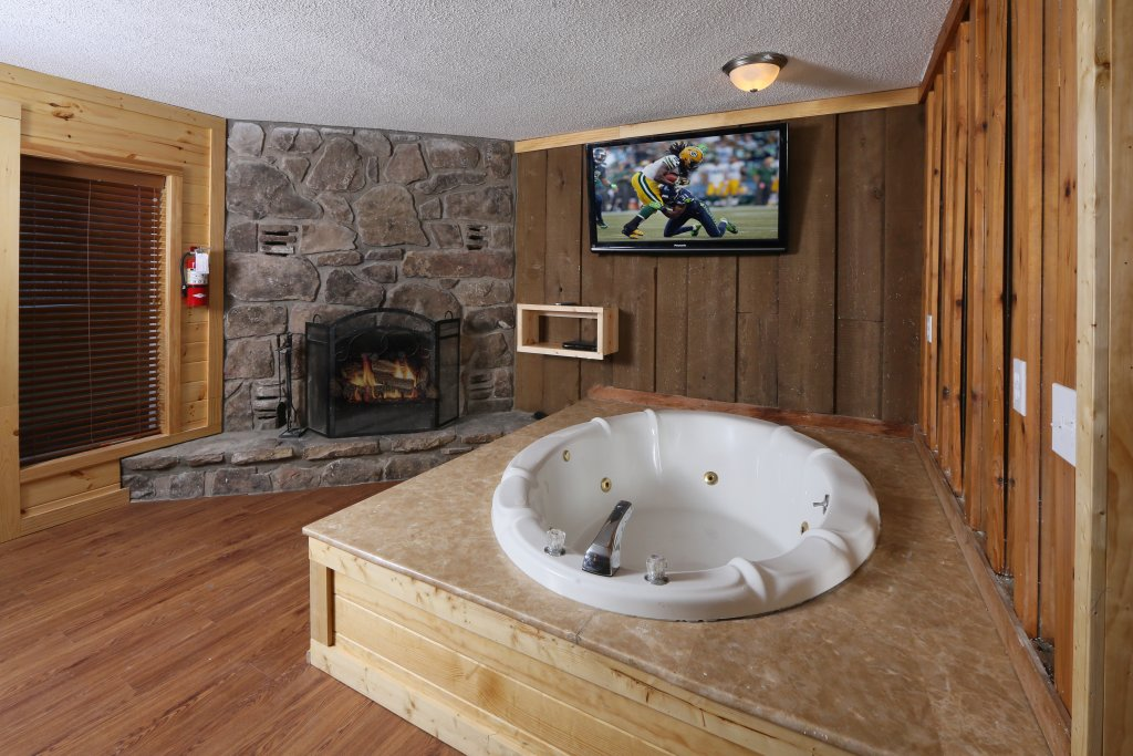 Photo of a Gatlinburg Cabin named Skyline View - This is the twenty-seventh photo in the set.