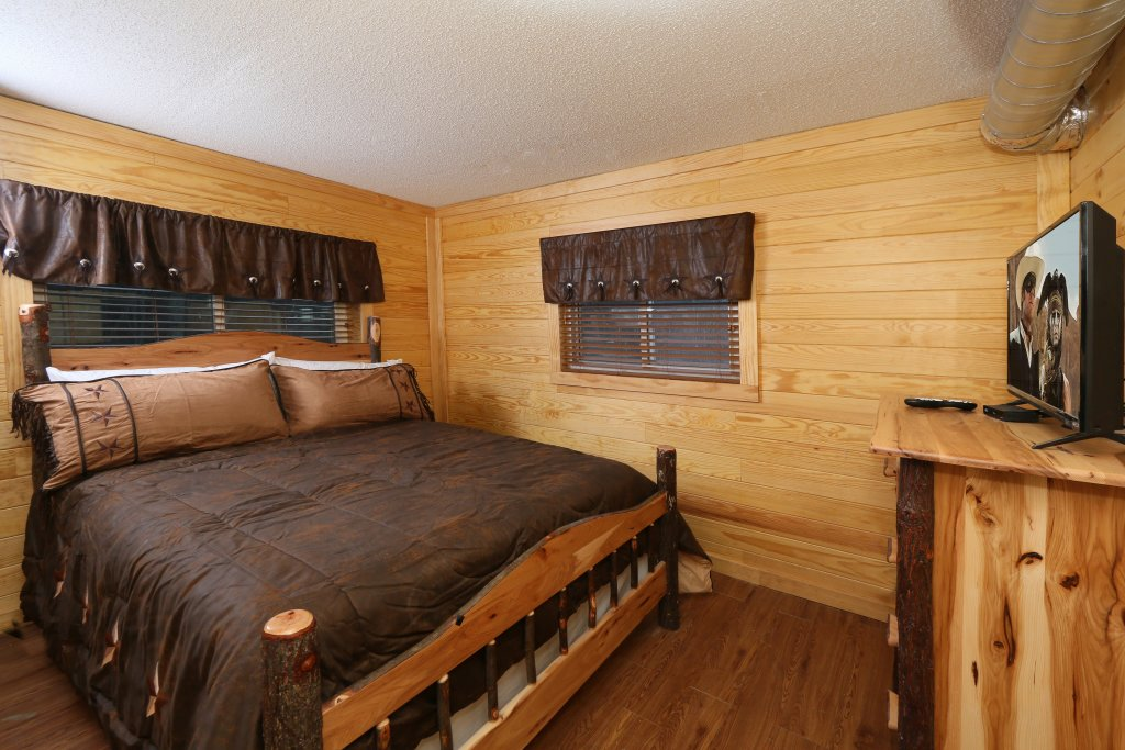 Photo of a Gatlinburg Cabin named Skyline View - This is the twenty-first photo in the set.