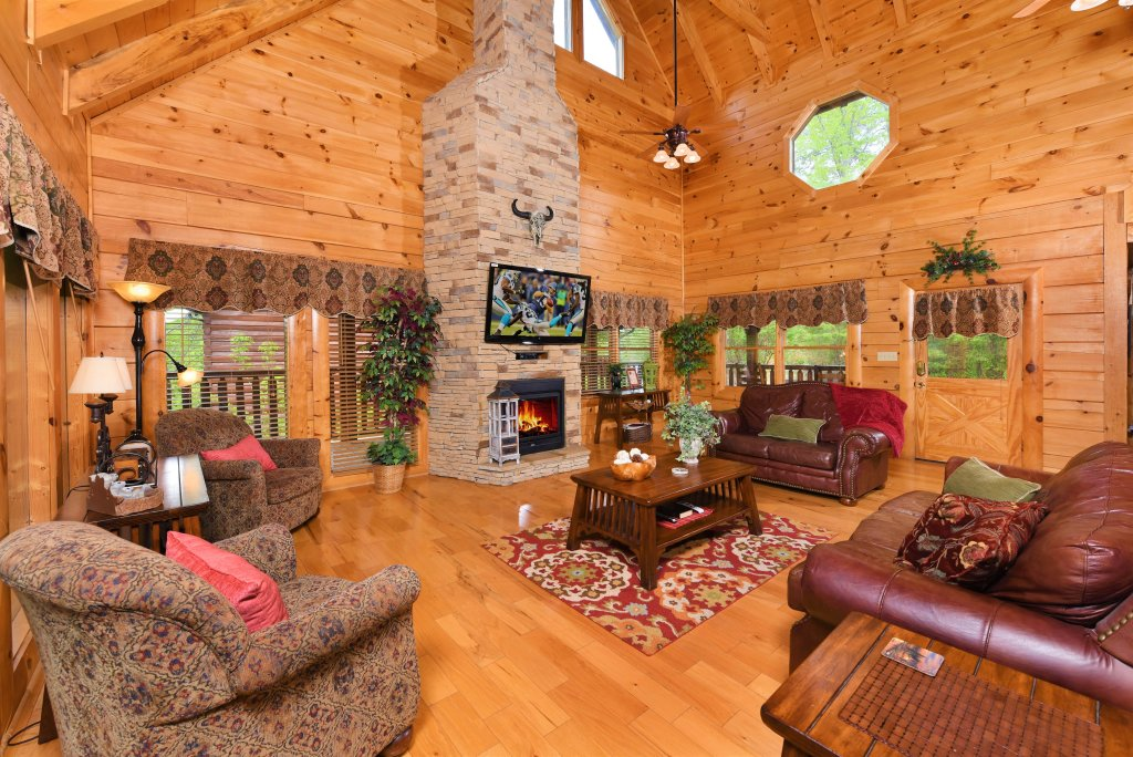 Photo of a Pigeon Forge Cabin named Almost Heaven - This is the first photo in the set.