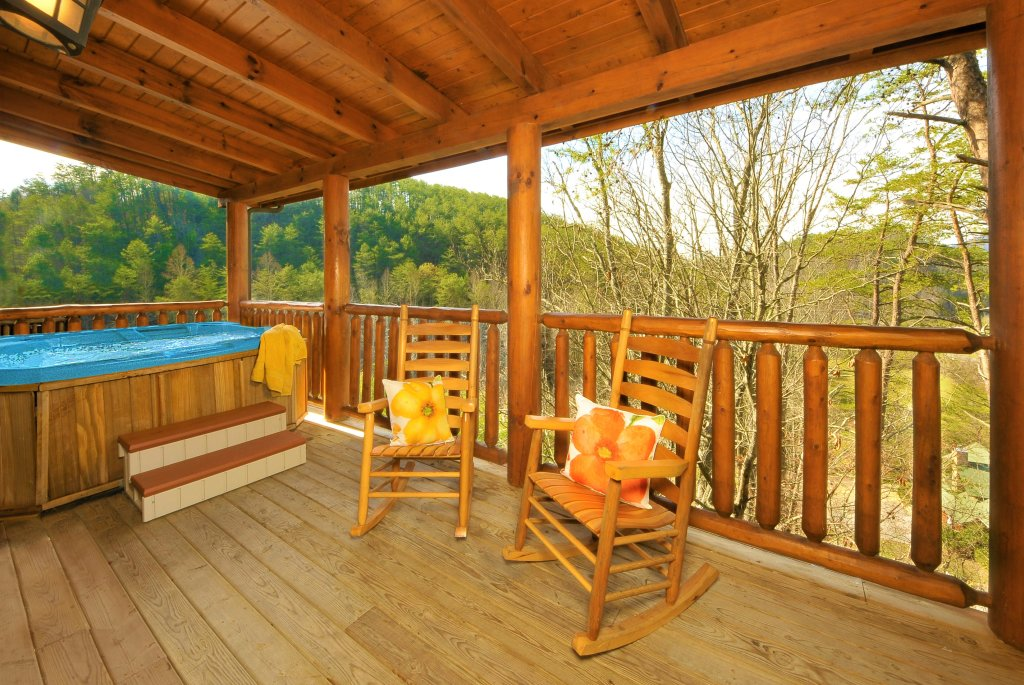 Photo of a Pigeon Forge Cabin named Almost Heaven - This is the ninth photo in the set.