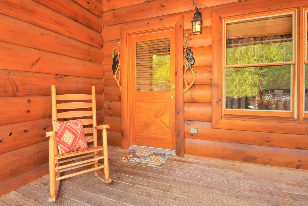 Photo of a Pigeon Forge Cabin named Almost Heaven - This is the twenty-second photo in the set.