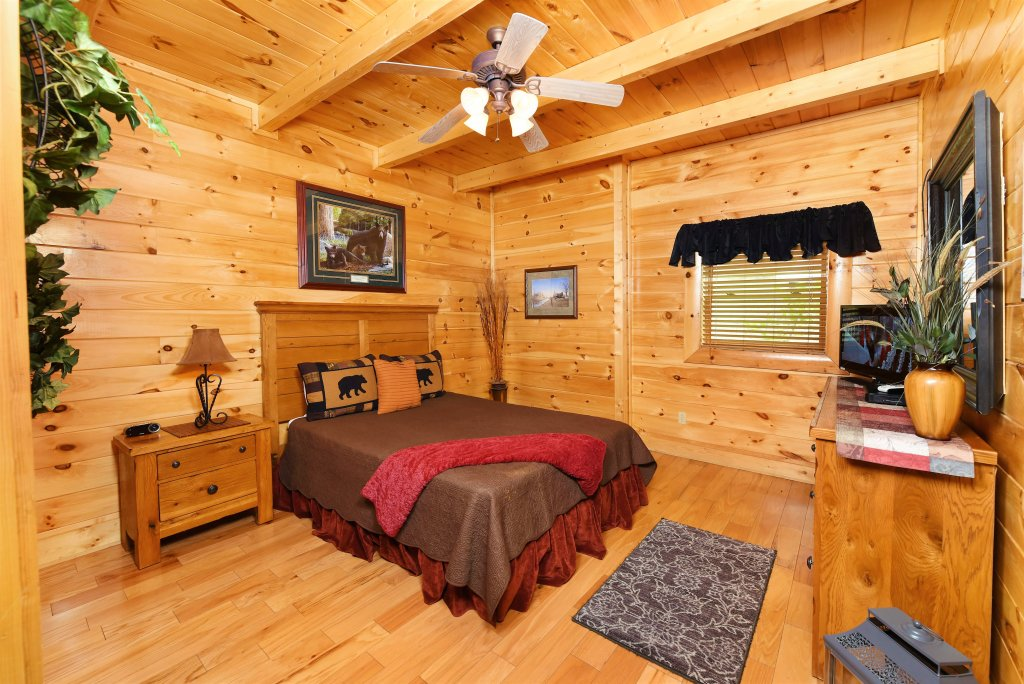 Photo of a Pigeon Forge Cabin named Almost Heaven - This is the nineteenth photo in the set.