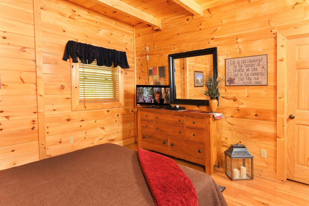 Photo of a Pigeon Forge Cabin named Almost Heaven - This is the twentieth photo in the set.