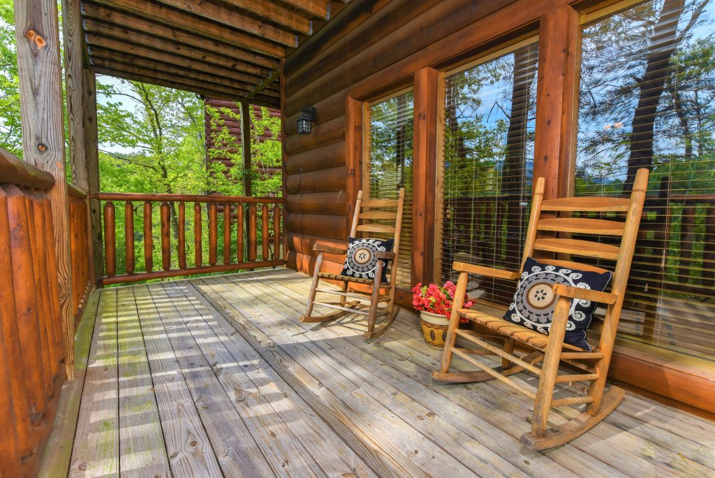 Photo of a Pigeon Forge Cabin named Almost Heaven - This is the thirty-fifth photo in the set.