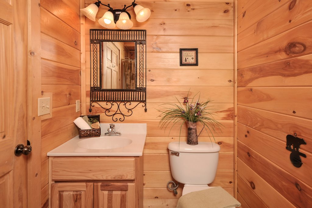 Photo of a Pigeon Forge Cabin named Almost Heaven - This is the forty-fifth photo in the set.
