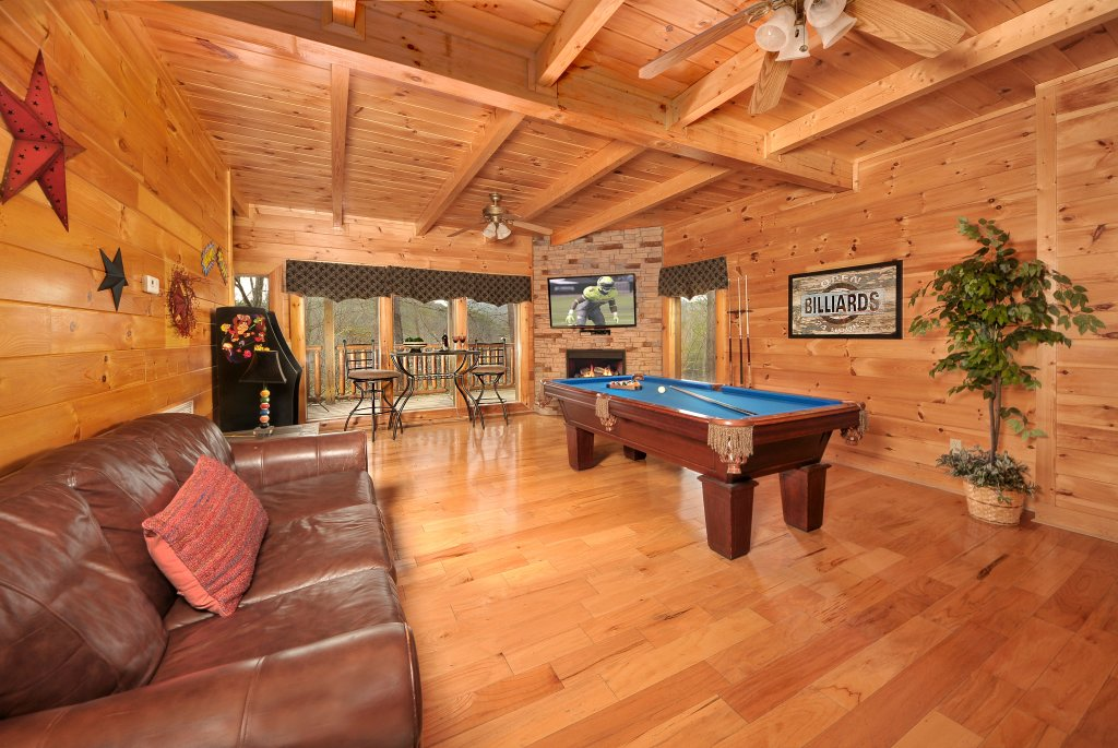 Photo of a Pigeon Forge Cabin named Almost Heaven - This is the thirty-third photo in the set.
