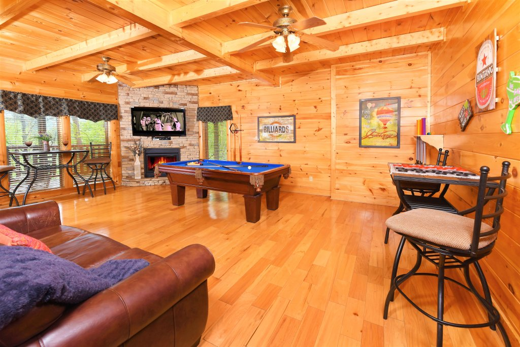 Photo of a Pigeon Forge Cabin named Almost Heaven - This is the thirtieth photo in the set.
